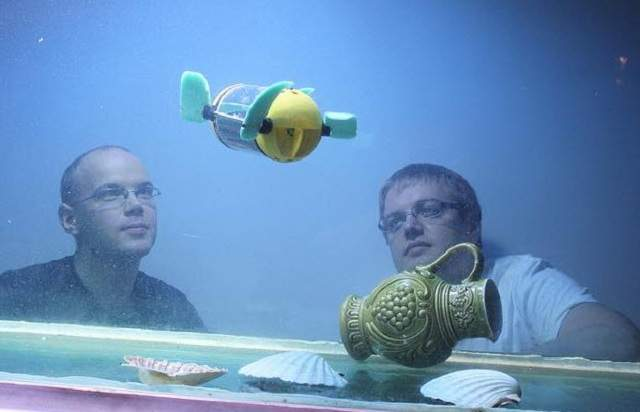 영국 탈린공대 연구팀이 개발한 수중촬영용 로봇. 바다거북처럼 4개의 물갈퀴를 달아 방향을 자유자재로 바꿀 수 있다.  - 탈린공대 제공