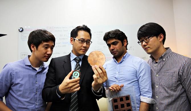 변영재 울산과기대(UNIST) 교수와 연구에 참여한 팀원들 - 울산과기대(UNIST) 제공