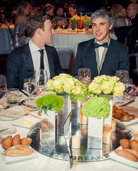 지난해 말 열린 브레이크스루상 시상식에 참석한 마크 저커버그 페이스북 CEO(왼쪽) - breakthroughprize.org 제공