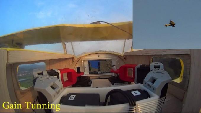 실험에 사용된 모형 비행기(오른쪽 위). 경비행기 '피츠(Pitts)'를 3분의 1로 정밀하게 축소하고 로봇이 앉을 수 있도록 조종석을 개조했다.   - 전승민 기자, enhanced@donga.com 제공