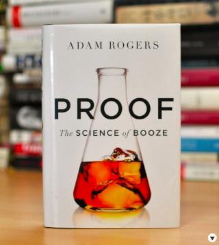 효모에서 숙취까지 술에 관련된 모든 현상을 과학의 관점에서 해석한 책 '프루프'. 아마존의 '편집자가 뽑은 2014년 책' 과학부문에서 6위로 뽑혔다. - 강석기 제공