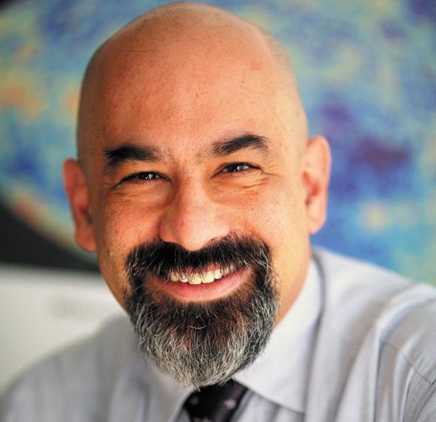 지난해 3월 발표된 중력파 검증 실험의 오류 가능성을 처음 제기한 프린스턴대의 데이비드 스퍼겔 교수. '네이처'의 '2014년 화제가 된 10명'에 선정됐다.  - 프린스턴대 제공