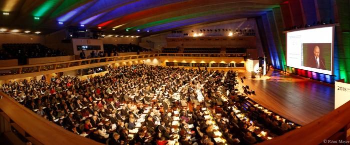 19일 프랑스 파리 유네스코 본부에서 열린 '세계 빛의 해' 출범식 현장. 노벨 과학상 수상자 5명을 비롯해 전 세계 85개국 1500여 명이 모여 빛의 해 지정과 광학 기술 발전의 의미를 되새겼다. - 레미 메이어(Rémi Meyer) 제공