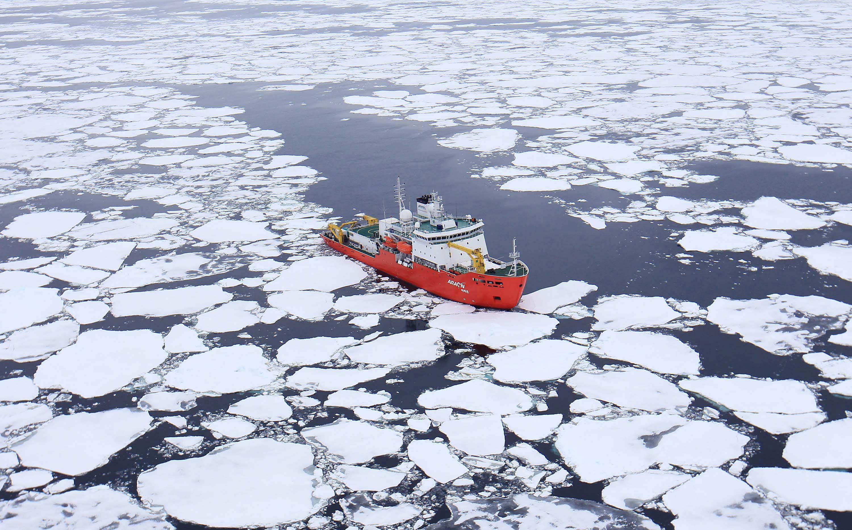 박 연구원은 국내 쇄빙선 아라온호를 타고 기후변화와 지각 형성 사이의 상관관계를 밝히는 증거를 찾아냈다.