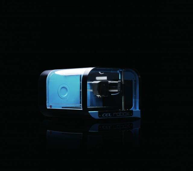 영국 CEL테크놀로지 사가 개발한 개인용 3D 프린터 '로복스(RBX1)'. 적층 두께 0.02mm로 정밀할 뿐만 아니라 출력 속도가 기존 개인용 프린터보다 3배 빠르다. 가격은 195만 원. 문의 소나글로벌 (02)6212-9901 - CEL테크놀로지 제공