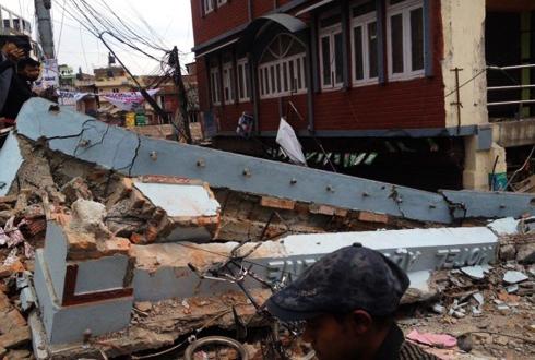 [네팔 지진] 네팔 카트만두 초토화 시킨 사상 최강의 지진 정체는