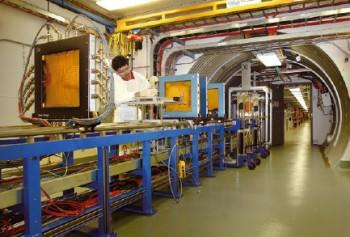 자기홀극 검출중인 CERN의 뫼달 검출기. 조-메이슨 자기홀극은 유럽에서 먼저 반향을 일으켰다. - CERN 제공