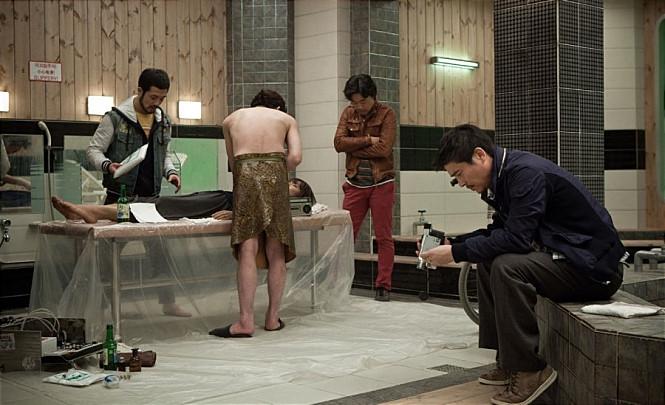 장기밀매를 다룬 영화 공모자들의 한 장면 - 씨너스엔터테인먼트(주) , 타임스토리그룹  제공