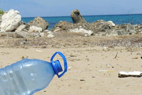 바다가 품기엔 너무 벅찬 쓰레기