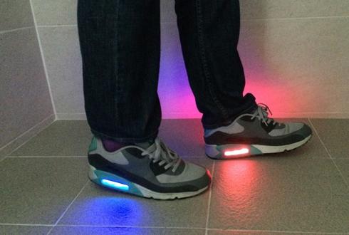 걸을 때마다 빨파녹 빛이 번쩍, 스마트 신발