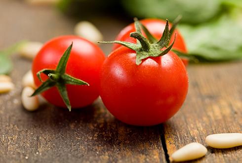 익혀 먹는 토마토가 몸에 좋다