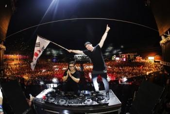 음악이 사람의 심리에 영향을 미친다는 다수의 연구결과가 있다. DJ들이 음악을 틀며 활용하는 기술은 특히 더 청중의 청각세포를 자극한다. - 울트라 코리아 제공