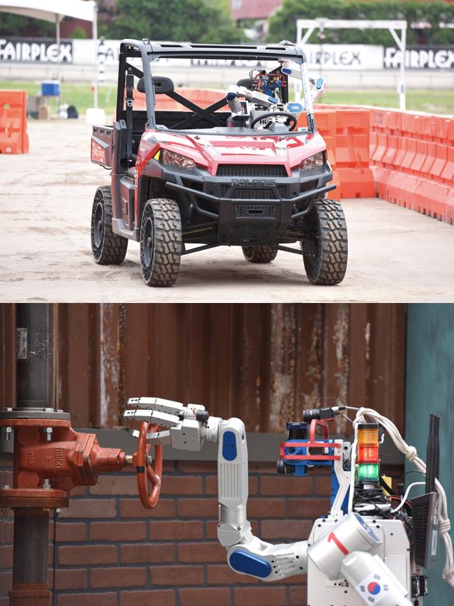 휴보가 대회에서 첫번째 임무인 운전과 네번째 임무인 밸브 잠그기를 하고 있다. - 휴보랩 제공
