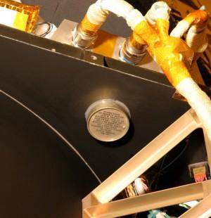 NASA는 명왕성을 발견한 천문학자 클라이드 톰보의 유골 28g을 뉴호라이즌에 실어 보냈다. - 미국항공우주국(NASA) 제공