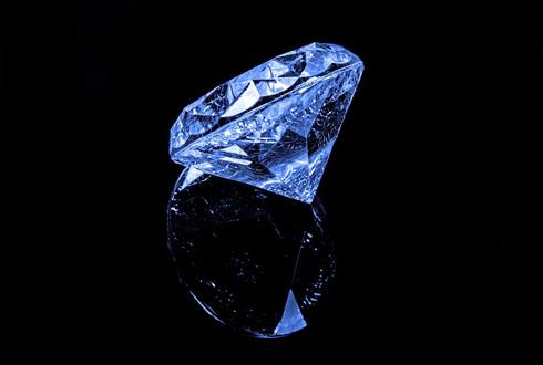 [카드뉴스] 천연 다이아몬드와 합성 다이아몬드 '구별법'