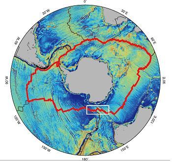 야구 공의 실밥처럼 남극 대륙을 둘러싸고 있는 남극 중앙해령(붉은 선)에서 극지연구소 연구팀이 새로 열수분출구를 발견했다. 하얀 실선으로 된 부분이 이번 연구팀이 탐사를 진행한 지역이다. 극지연구소 제공