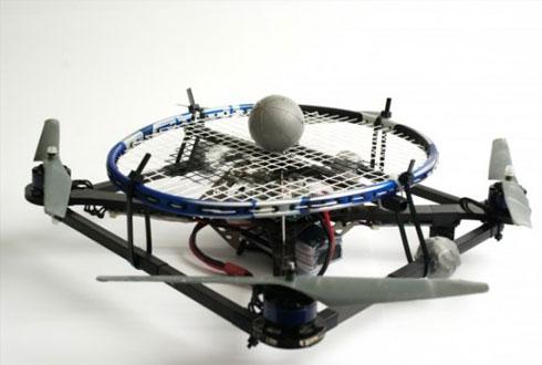 드론이 테니스를 칠 수 있는 비결은?
