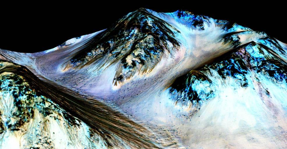 미 항공우주국은 화성에 소금이 포함된 액체 상태로 흐르는 강이 있다고 발표했다. - NASA/JPL/University of Arizona 제공