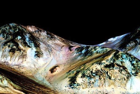 화성에도 여름엔 물 흐른다