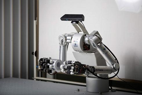 '휴보'도 못 가진 손가락 단 산업용 로봇 첫 개발