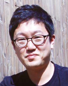 조진호 작가/ 과학 만화 <어메이징 그래비티>의 작가이자 민족사관고등학교 과학 교사. 중력의 원리와 역사에 대해 그린 <어메이징 그래비티>는 2013년 한국출판문화상을 수상했다. - 어린이과학동아 제공