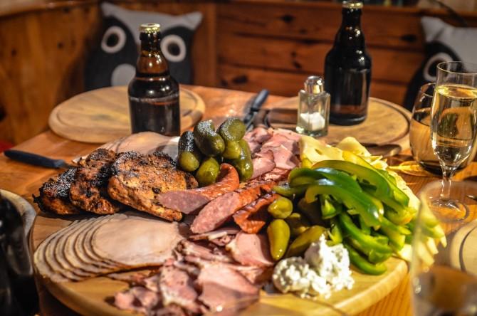 WHO가 가공육을 1군 발암물질, 붉은 고기를 2A군 발암물질로 분류했다. 그러나 이 식품을 단순히 발암물질 만으로 분류하기엔 인간에게 도움을 주는 부분도 많다.  - pixabay 제공