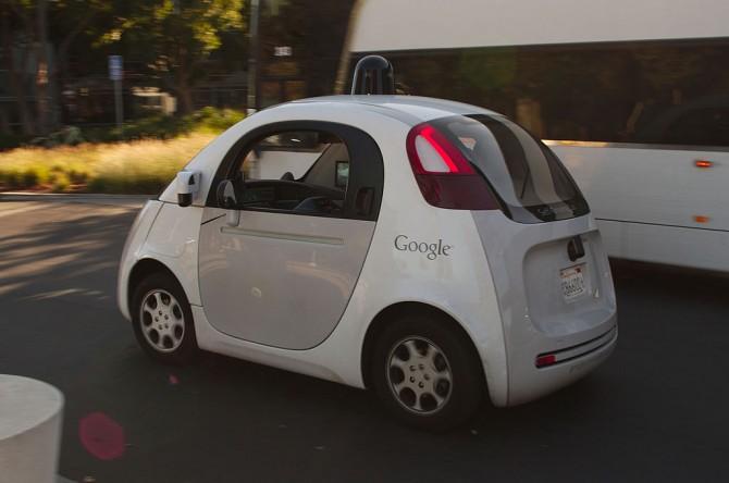 구글이 개발 중인 자율주행차의 모습 - 위키미디어 제공