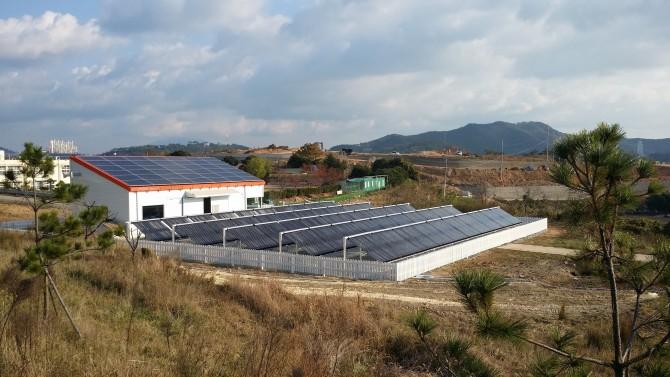전남 여수에 구축된 태양열 해수담수화 플랜트.  - 한국에너지기술연구원 제공