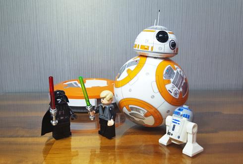 영화 '스타워즈 7' 속 'BB-8' 직접 가지고 놀아보니…