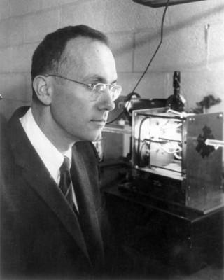 [2015년 사라진 과학계 별들](4)레이저를 발명한 물리학자 '찰스 타운스'