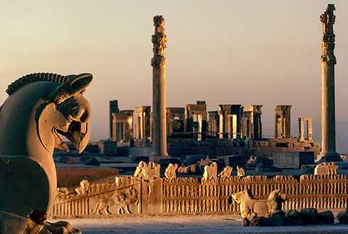[내셔널지오그래픽사진전] '왕 중의 왕'이 세운 고대도시, 페르세폴리스의 아파다나 계단과 타차라궁