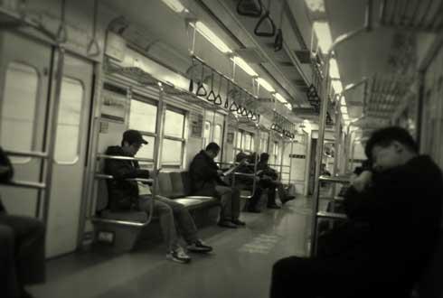 전동 열차 속의 풍경