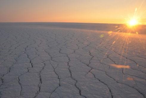 청명한 날 vs. 구름 낀 날, 빙하의 선택은?