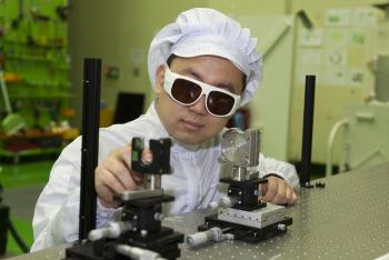 윤혁 연구위원은 펨토초 레이저에 의해 분자로부터 발생하는 고차조화파를 이용해 분자 내 전자의 다중 궤도 분석에 대한 연구로 박사학위를 받았다. - IBS 제공