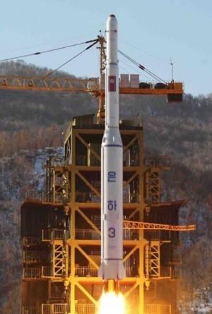 지난 2012년 진행된 북한의 은하 3호 발사 모습 - 동아일보 제공