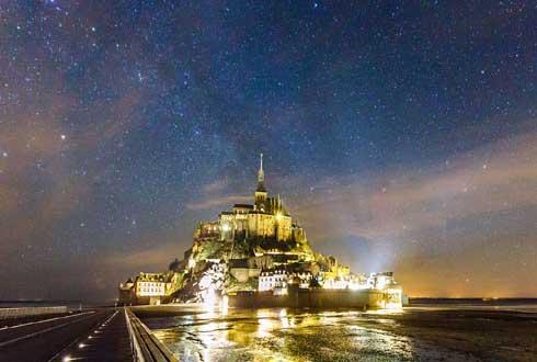 은하수가 아름다운, 프랑스 몽생미셸의 야경