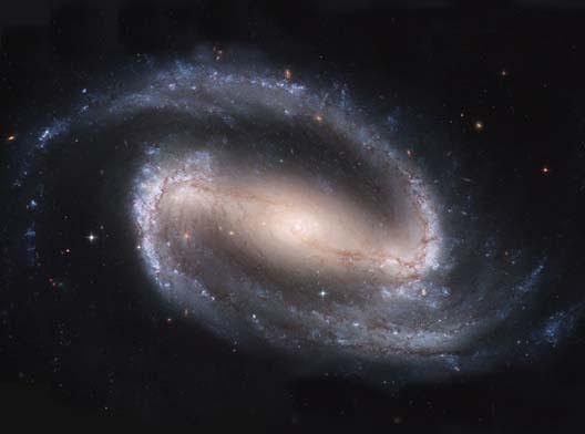 거대한 막대(bar) 구조가 중심을 지나가는 모습이 인상적인 막대나선은하 NGC1300. 최근 천문학자들이