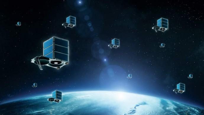 100kg 내외의 소형위성을 우주에 띄어 인터넷 환경, 우주과학 연구 등을 진행하기 위한 연구가 활발히 진행되고 있다. 구굴의 경우 180여 개의 소형위성을 우주에 띄워 구글맵의 성능을 높인다는 계획을 밝혔다. - 스카이박스 이미징 제공