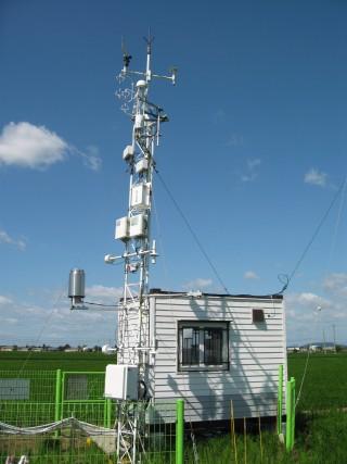 파장 가변 레이저 메탄 분석기와 3차원 초음파 풍속계를 활용한 에디 공분산 방식의 메탄 플럭스 정밀 관측 시스템. - 한국표준과학연구원(KRISS) 제공