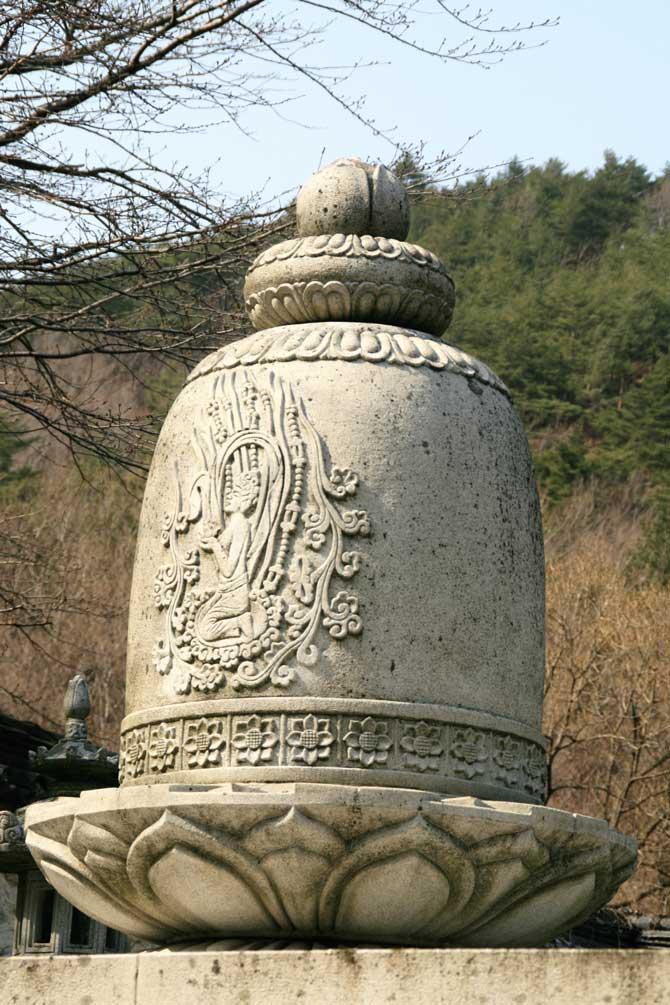 부처님 치아사리를 봉안한 사리탑 - 고종환 제공