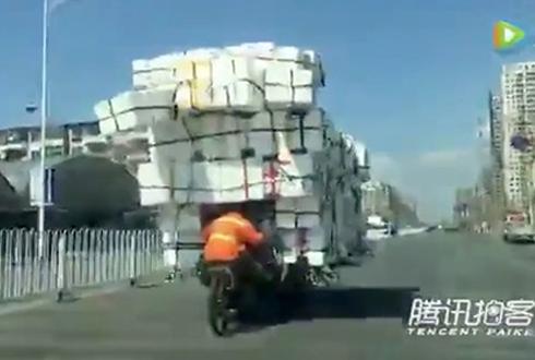 중국 짐 나르기의 달인 '화제'