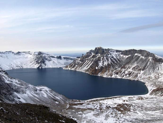 영국 과학자가 촬영한 백두산 천지의 모습. - 사이언스 어드밴시스 제공