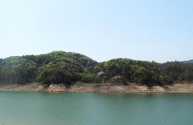 횡성댐이 만들어지며 생겨난 인공호수인 횡성호 - 고기은 제공