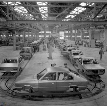 현대자동차가 만든 첫 국산차