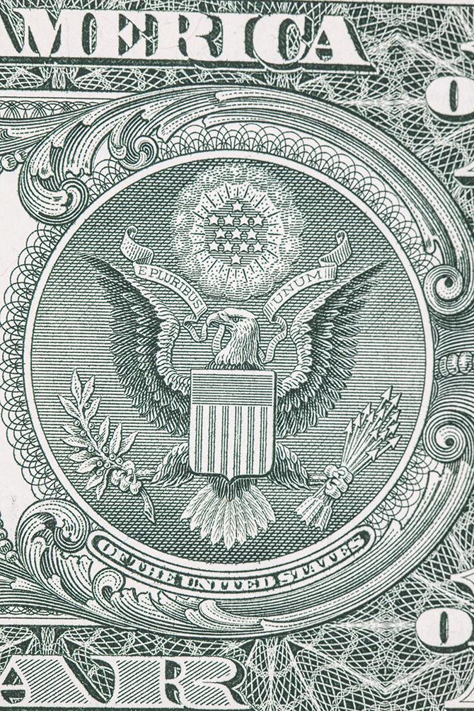 미국 1달러 화폐 뒷면의 별과 올리브나무, 화살의 개수는 모두 13개씩이다. - GIB 제공