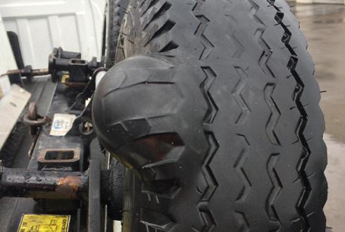 견인 트럭, 터지기 직전의 타이어