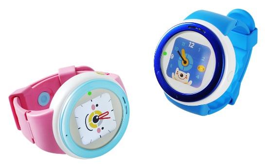 쥬니버토키는 둥글둥글한 외관과 재질이 장난감 같은 모습입니다. 손목시계 또는 목걸이형 둘 중에 한 가지를 고를 수 있습니다. - ZTE 제공