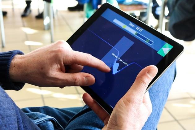 덴마크 오르후스대 물리학자들은 광학집게로 원자를 옮기는 과정을 게임(퀀텀무브스)으로 변형시켜 사람들이 최선의 해법을 찾게 유도했다. - Scienceathome.org 제공