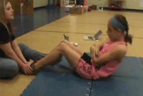 10살 소녀, 윗몸일으키기 2110회 기록 세워
