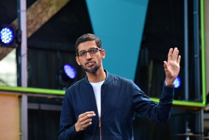 순다 피차이 CEO가 구글 I/O 2016 키노트 연설을 하고 있다
